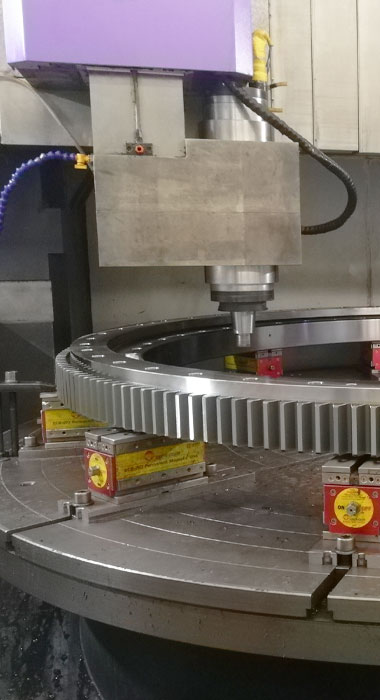 Slewing-bearing-drilling.jpg