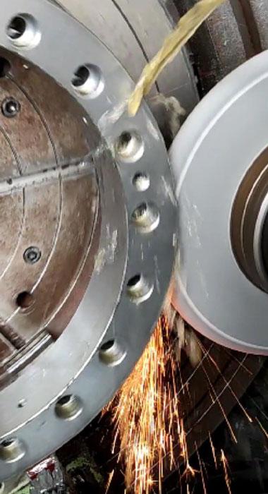 Slewing-bearing-grinding.jpg